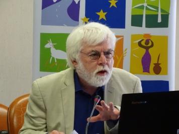 James Putzel, Dept du Developpement International, London School of Economics